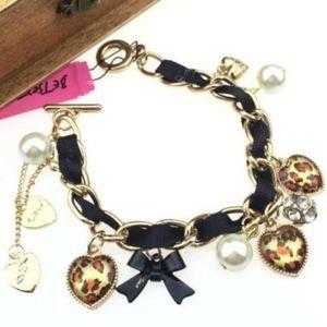 Betsey Johnson Heart and pearl bracelet